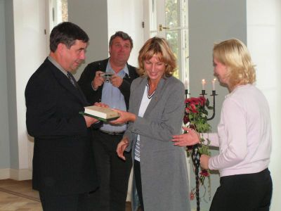 200449